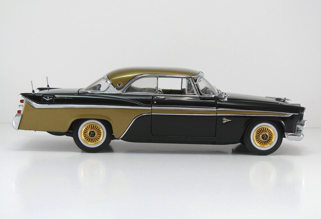 DBM006_C 1956 DeSoto Adventurer HT_Black & Gold