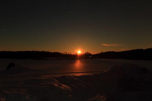 winter cloud moon snow reflection night clouds canon eos 7 mature moonlight snowfield february lumi talvi kuu yö pilvet pilvi heijastus helmikuu anttonen kuutamo hanki canonef163528liiusm kypsä dcanon7dsuomifinlandvalkolaanttospohjajuhani