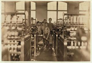 LC-DIG-nclc-01471 Boy Doffers 1908