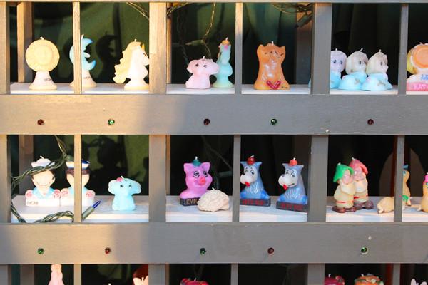 Olga  goose candle exhibition/workshop