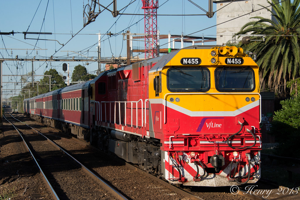 N455 into Footscray by Henry Owen