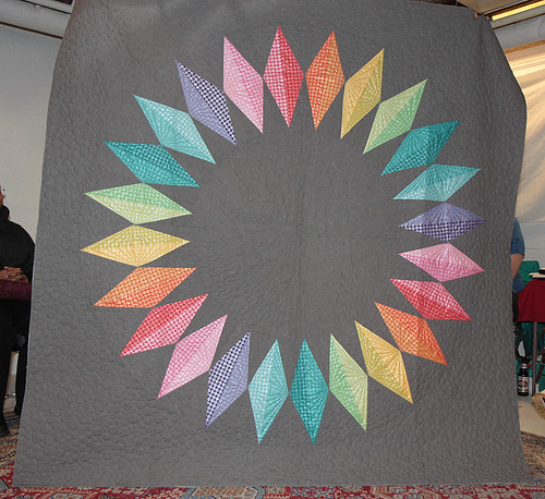 Steffanie's ring of diamonds quilt
