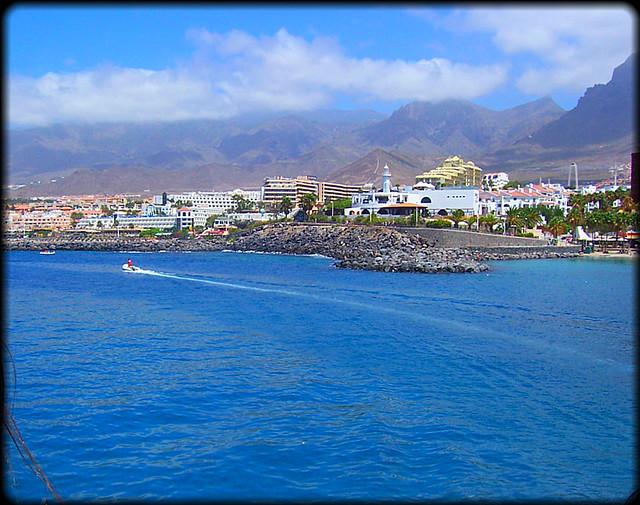 Tenerife (Playa de las Américas) - Flickr CC sky_hlv