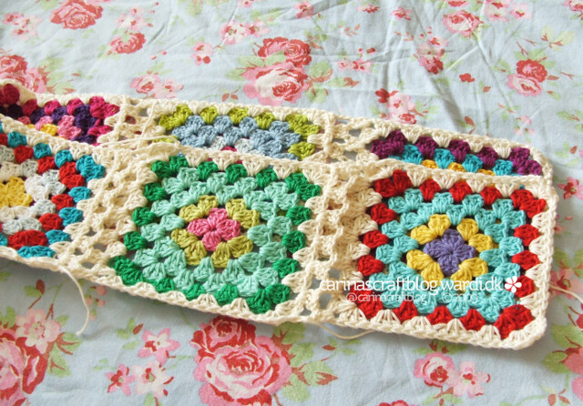 Crochet tutorial: joining granny squares 13