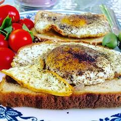 Breakfast #iphone6s #eggs #breakfast #morning #goodmorning #tomato
