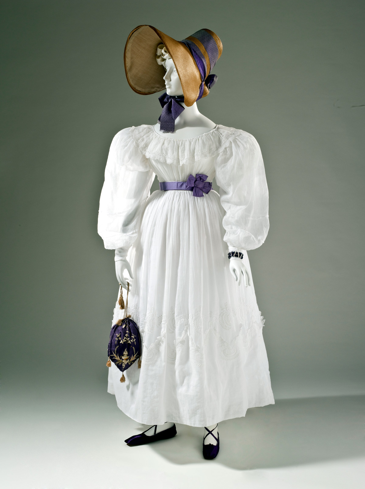 Lady from 1830 carry a French reticule handbag. LACMA