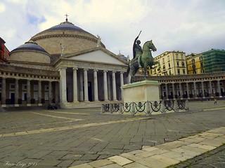 Piazza Plebiscito Statua equestre di Ferdinando I
