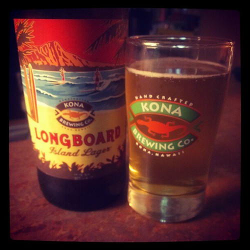 Enjoying some @KonaBrewingCo Longboard Island Lager with @genmae5