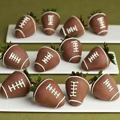 chocolate truffle(0.0), chocolate balls(0.0), produce(0.0), food(0.0), edible mushroom(0.0), brown(1.0), bonbon(1.0), chocolate(1.0), praline(1.0),