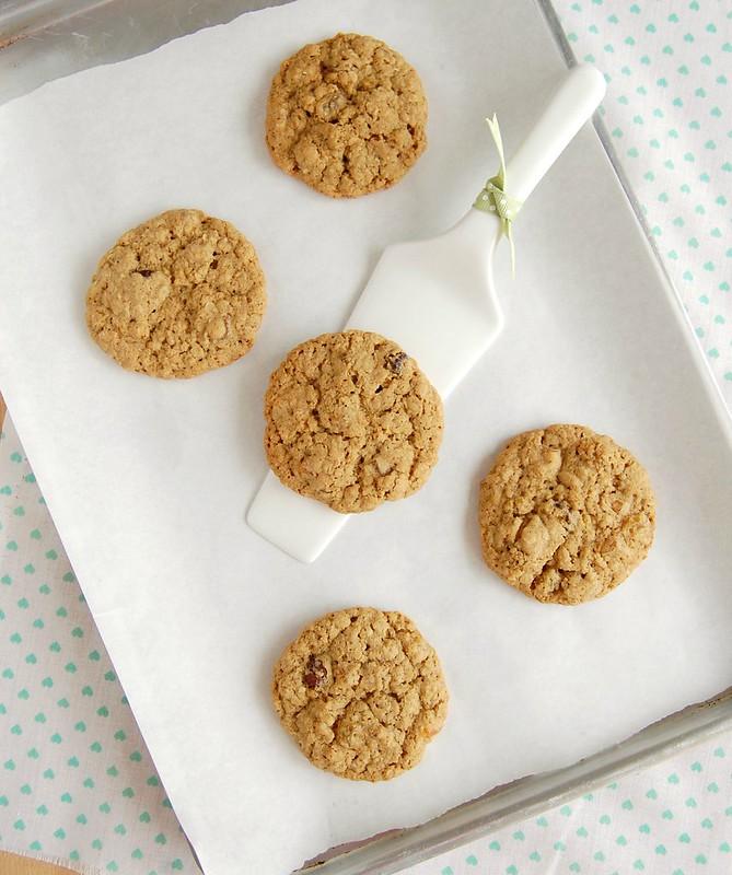 Cranberry apricot oatmeal cookies / Cookies de aveia com damascos e cranberries secos