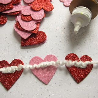 Pom-Pom and Hearts Garland