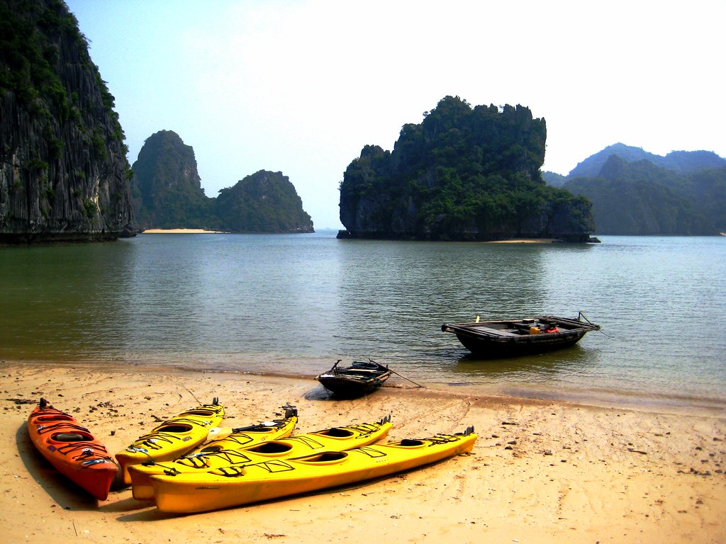 Water Sport In Ha Long Bay