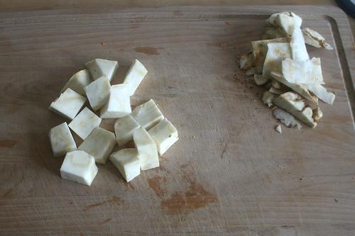 28 - Sellerie schälen & grob würfeln / Peel & dice celeriac