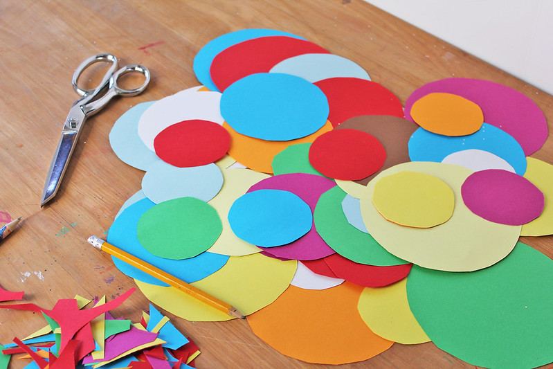 Easy planet craft for kids using cut paper circles.