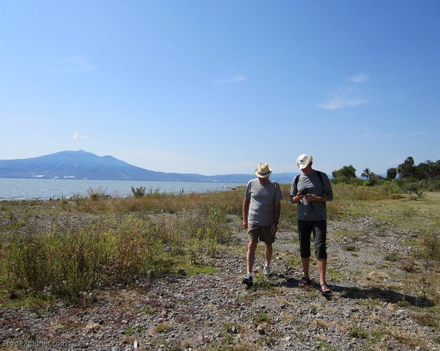 Kai & Papa Hans catching up while walking along Lake Chapala