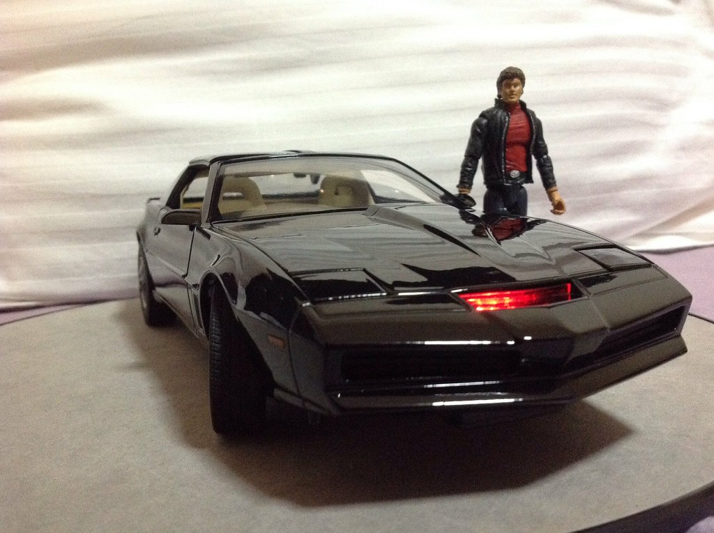 knight rider toy review by jtmitchell87 knight rider online. Black Bedroom Furniture Sets. Home Design Ideas