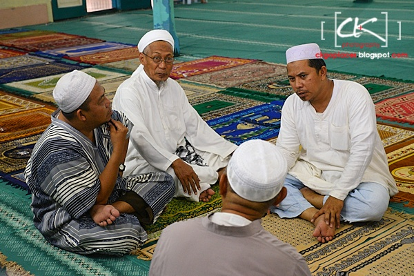 Masjid_Bandar_Kuching_04