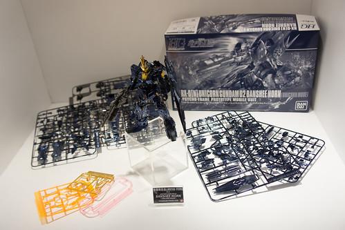 也有少量會場限定版的東西, 這是電鍍版的 Unicorn Gundam O2 Banshee
