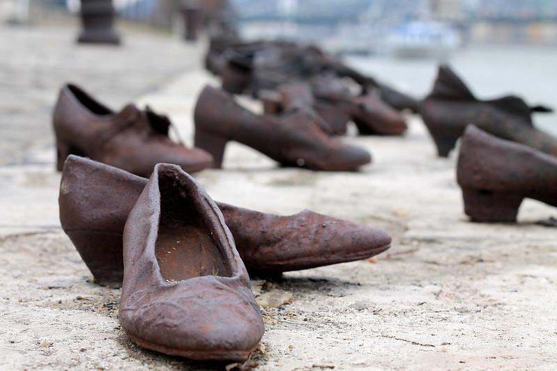 Zapatos del Danubio