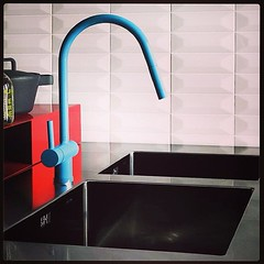 #kitchendesign #kitchencolours #interiordesign #minimal #blue #bluetea