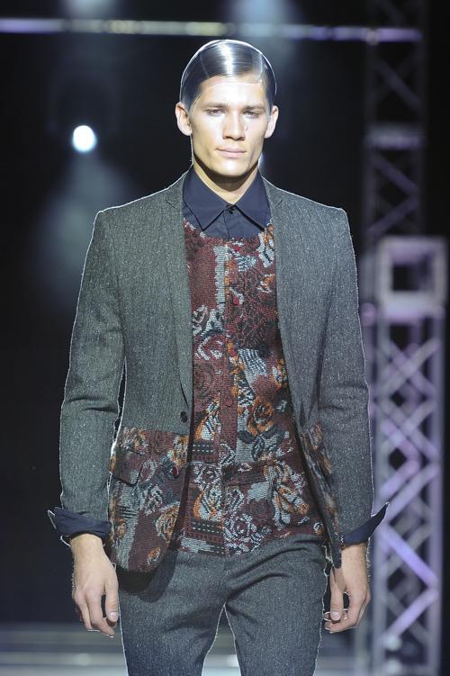 FW13 Tokyo yoshio kubo015_Andrey Zakharov(Fashion Press)
