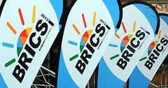 BRICS-Flaggen auf dem 5. Gipfeltreffen in Durban, Südafrika; Photo: GCIS /  South African Government Online / flickr