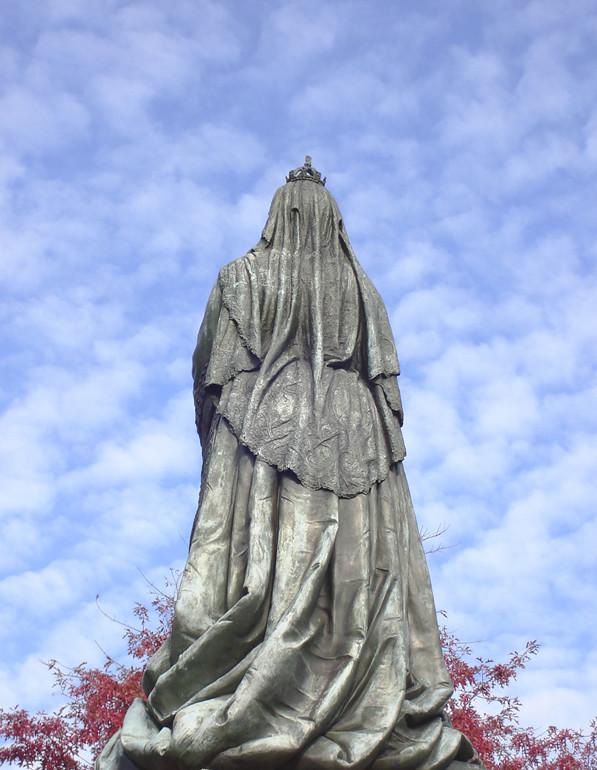 Queen Victoria statue, 2007. Flickr: CCL-2013-01-15-DSC05886