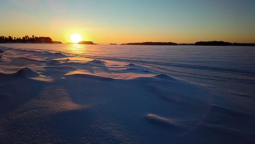 morning winter ice mobile sunrise espoo suomi finland dawn nokia cellphone lumi talvi jää uusimaa 808 aamu auringonnousu phoneography pureview linholmsfjärden