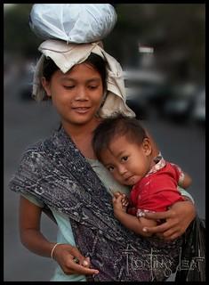 Bali-retreat-yoga-girl-baby