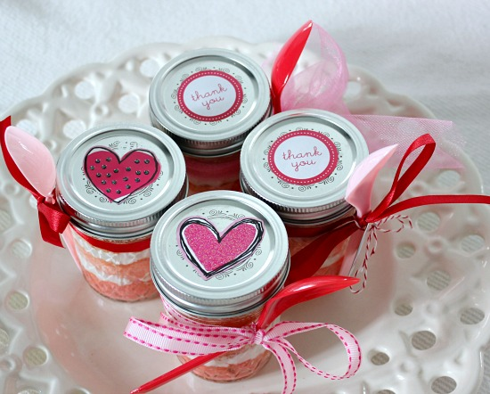Hi Sugarplum | Pink Ombre Cupcakes in a Jar