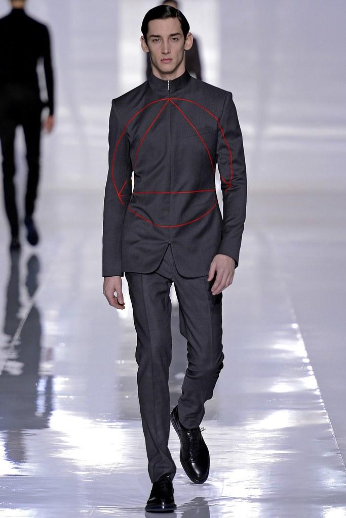 FW13 Paris Dior Homme014_Andrey Smidl(GQ.com)