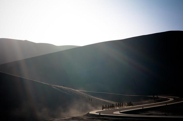 敦煌-月牙泉沙鳴山