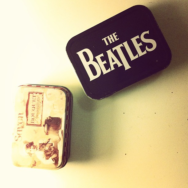 Latas. Savon. The Beatles.