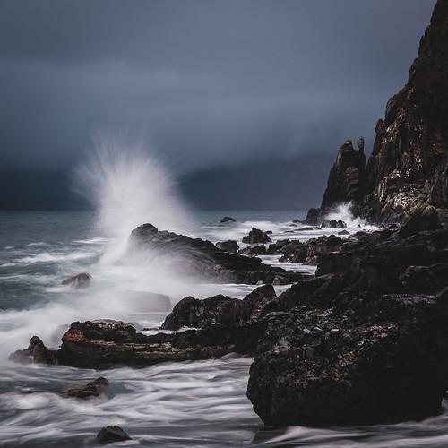 skye square scotland rocks waves cliffs elgol