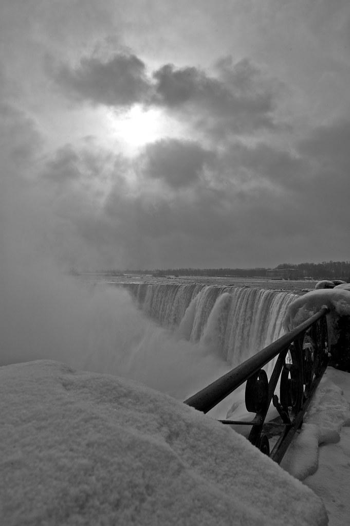 Niagara Falls - 2013-02-24 at 07-39-09