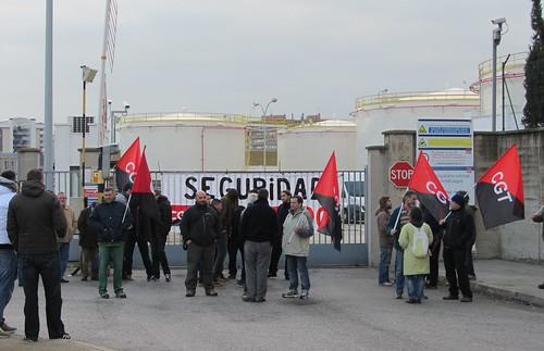 Imatge concentració a CLH Tarragona 4 març per la seguretat a petroquímica