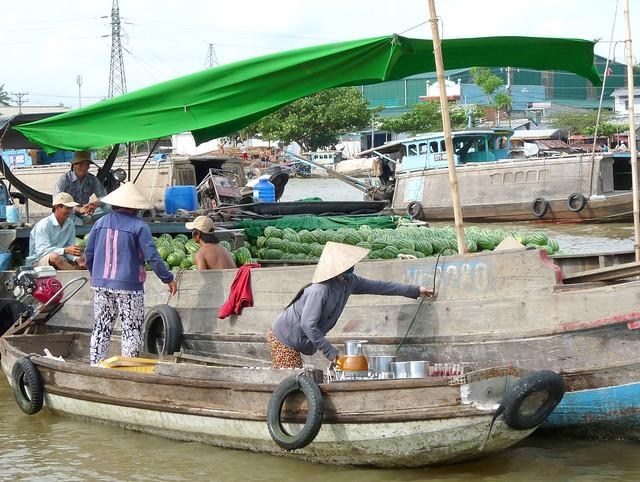 Cai Rang Floating Market 15
