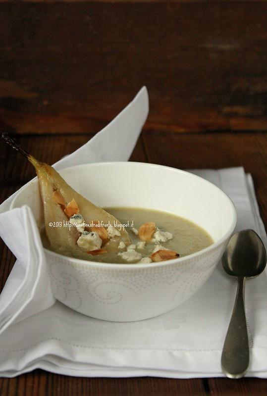 Zuppa di carciofi con gorgonzola e pere
