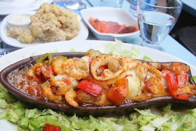 Yummy seafoods in Kadikoy, Istanbul, Turkey カドゥキョイのシーフードレストラン