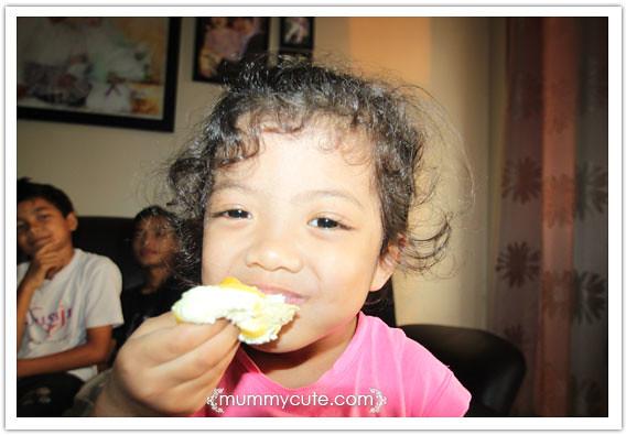 8363743307 9717a9f22a z durian crepe sedapker?