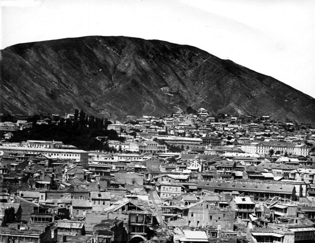 Фото 41  Старый дворец, гимназия, гора Давида