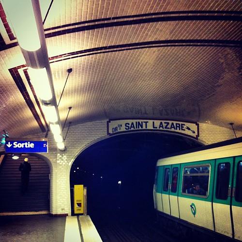 Paris - Métro Brochant