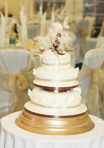 wedding cakes solihull