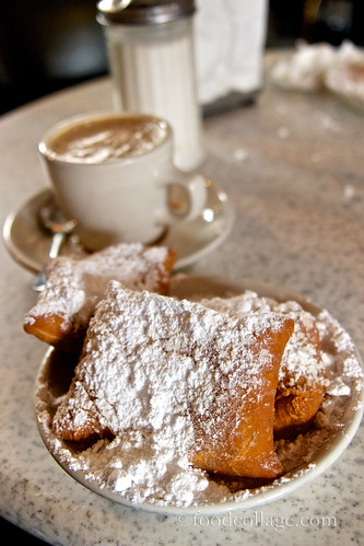 Beignet and Cafe au Lait at Cafe du Monde (New Orleans)