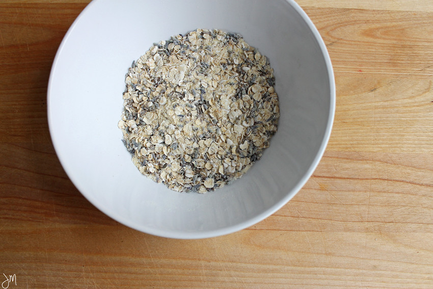 Julip Made DIY Winter Beauty lavender oatmeal face mask4