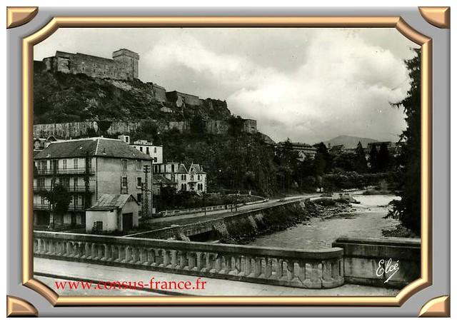 Le Gave et le Château - Fort - Lourdes