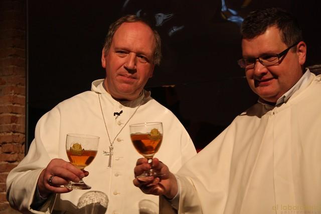 El Padre Karel y el Abad Erik