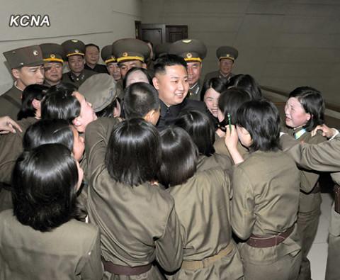Kim Jong-un thăm đơn vị bắn rơi máy bay Mỹ