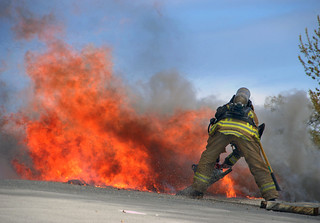 LAFD Squelches Sun Valley High School Blaze. © Photo by Mike Meadows. Click to view more...