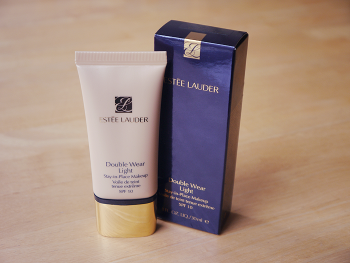 Estee Lauder Double Wear Light Foundation Review 1